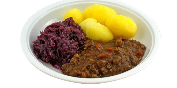 1415 Rindergulasch mit Rotkohl und Kartoffeln
