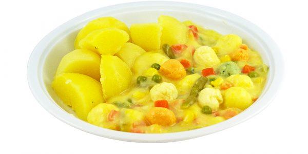 2130 Herbstliche Gemüsepfanne mit Erbsen, Möhren, Mais, Kürbis und Eierstichbällchen