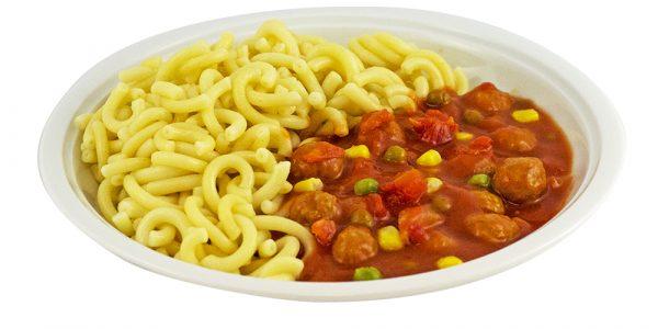 3072 Nudeln, dazu fruchtige Tomatensauce mit Fleischklößchen, Erbsen und Mais