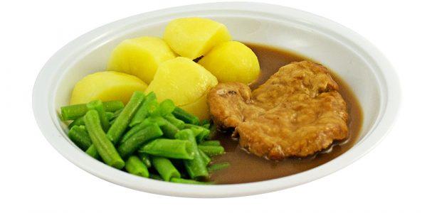 3080 Gebratene Putenbrust mit Geflügelsauce, grünen Bohnen und Kartoffeln