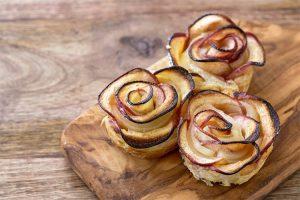 Apfelrosen mit Sauerkraut ©cuorerouc/Adobe Stock