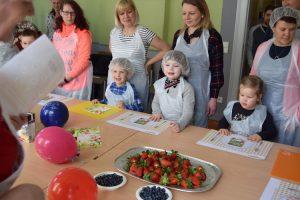 Die Kindern kennen schon zahlreiche Obst- und Gemüsesorten und freuen sich auf das Projekt
