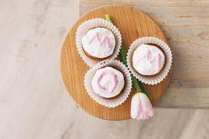 Diese Muffins sind eine tolle Idee für den Muttertag. ©freepik