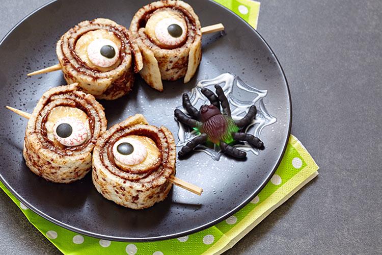 Einäugige Grusel-Pfannkuchen ©azurita/AdobeStock