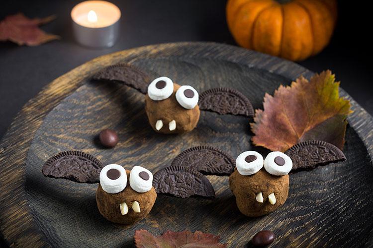 Schokoladige Fledermaus-Kugeln ©Vladislav Nosik/AdobeStock