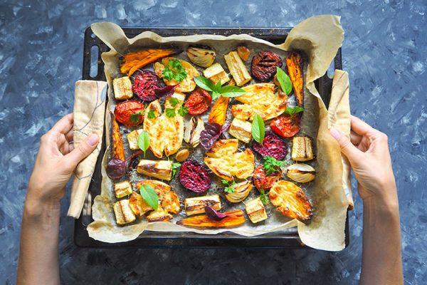 Ofengemüse ist nicht nur lecker, sondern auch gesund. Bereiten Sie es ganz einfach selber zu! ©sablinstanislav/AdobeStock