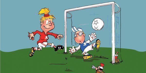 Hopsi und Klopsi verbringen den ganzen Tag auf dem Fußballplatz.