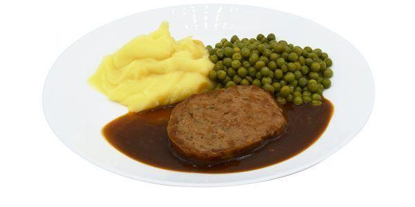 Hackbraten mit Rahmsauce, Buttererbsen und Kartoffelpüree