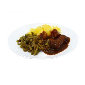 Bratwurst mit dunkler Senfsauce, grünen Bohnen und Salzkartoffeln