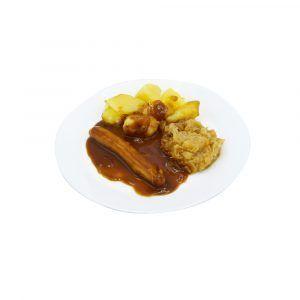 Kalbsbratwurst mit Bratensauce, Sauerkraut und Salzkartoffeln